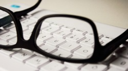 glasses-2211445_1920