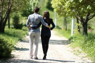 couple-1363959_1920